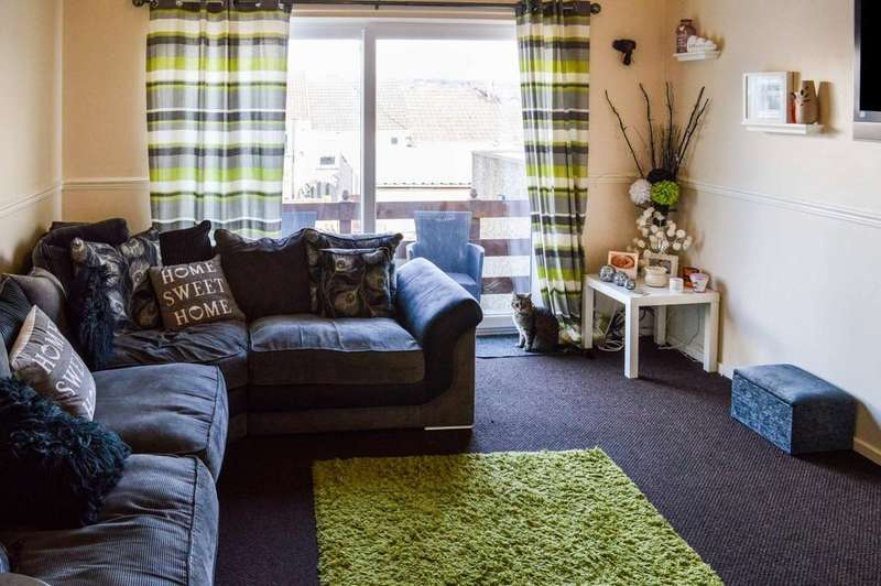 3 Bedrooms Terraced House for sale in Llancayo Park, Bargoed