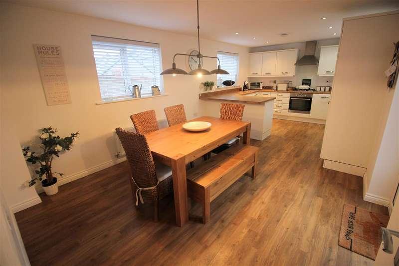 4 Bedrooms Detached House for sale in Saxon Mill, Ridgeway Farm, Swindon