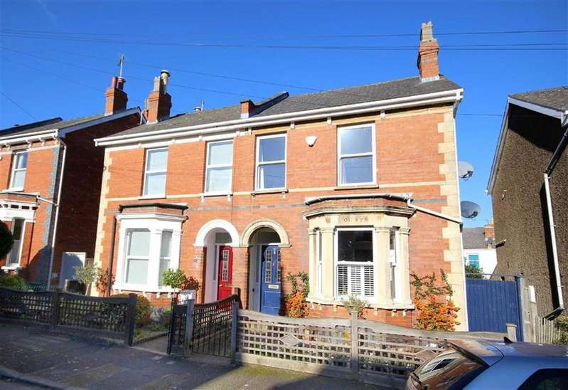 3 Bedrooms Semi Detached House for sale in Ewlyn Road, Leckhampton, Cheltenham, GL53