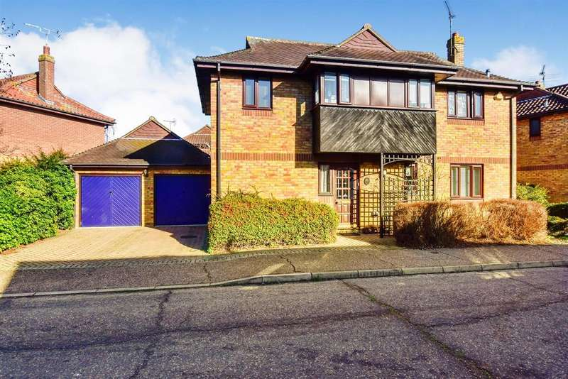 4 Bedrooms Detached House for sale in Pintolls, South Woodham Ferrers