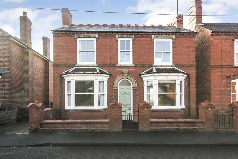 3 Bedrooms Detached House for sale in Monument Avenue, Stourbridge, West Midlands, DY9