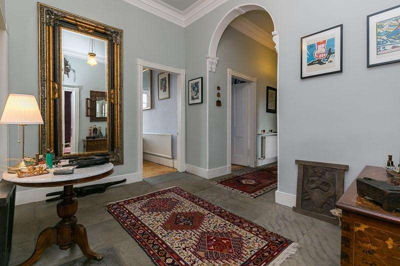 3 Bedrooms Property for sale in 94/5 Dundas Street, New Town , Edinburgh, EH3 6RQ