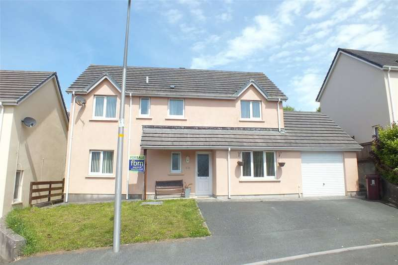4 Bedrooms Detached House for sale in Lavinia Drive, Pembroke Dock, Pembrokeshire