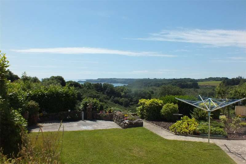 4 Bedrooms Detached House for sale in Greendale, Stepaside, Narberth, Pembrokeshire
