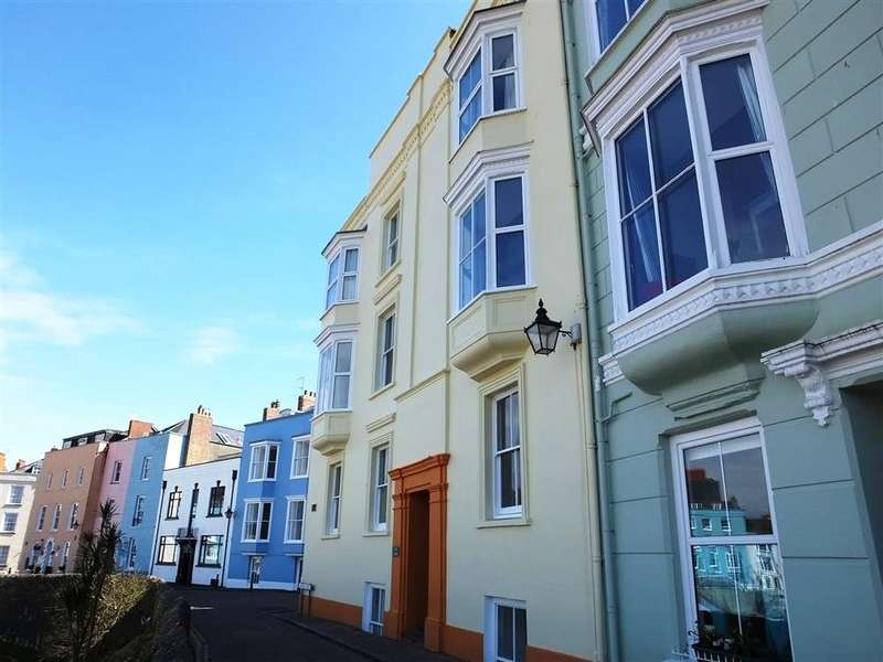 1 Bedroom Flat for sale in Flat 3, Pier House, Crackwell Street, Tenby