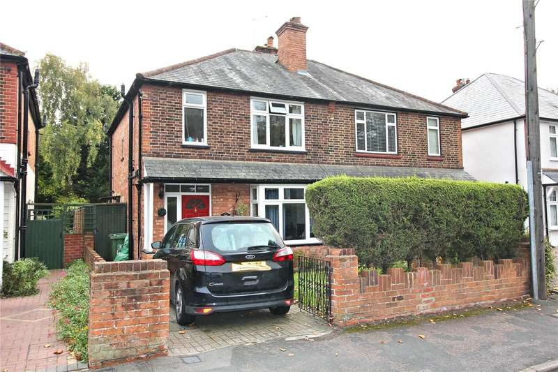 3 Bedrooms Semi Detached House for sale in Kingsway, Woking, Surrey, GU21