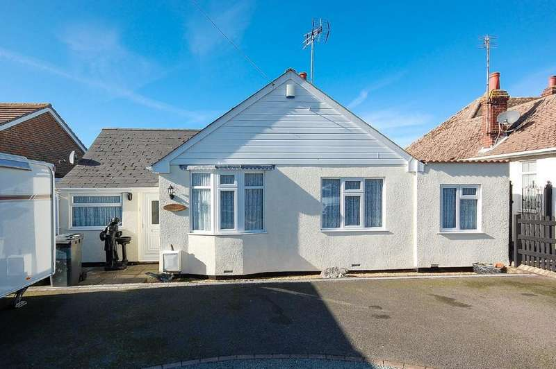 4 Bedrooms Detached Bungalow for sale in Canterbury Road, Herne Bay