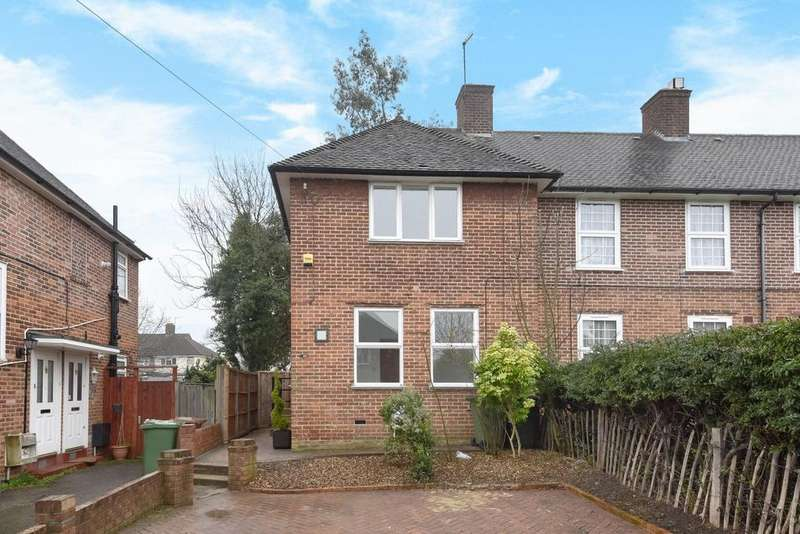 3 Bedrooms Terraced House for sale in Waters Road, Catford