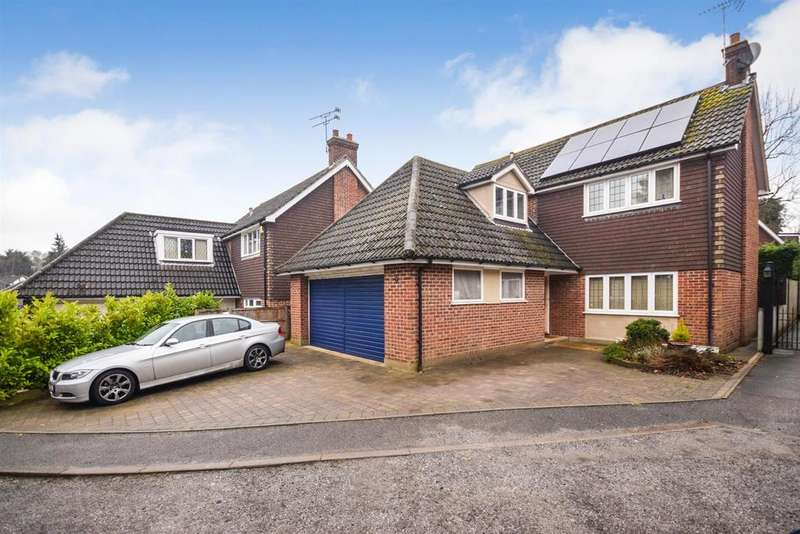 4 Bedrooms Detached House for sale in Thomas Close, Brentwood