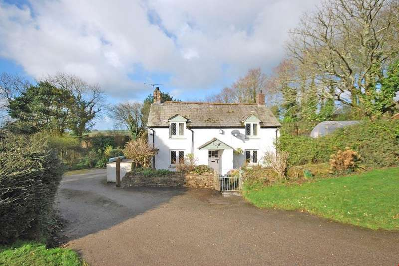 3 Bedrooms Detached House for sale in Trekenning, St Columb, Nr. Newquay, Cornwall, TR8
