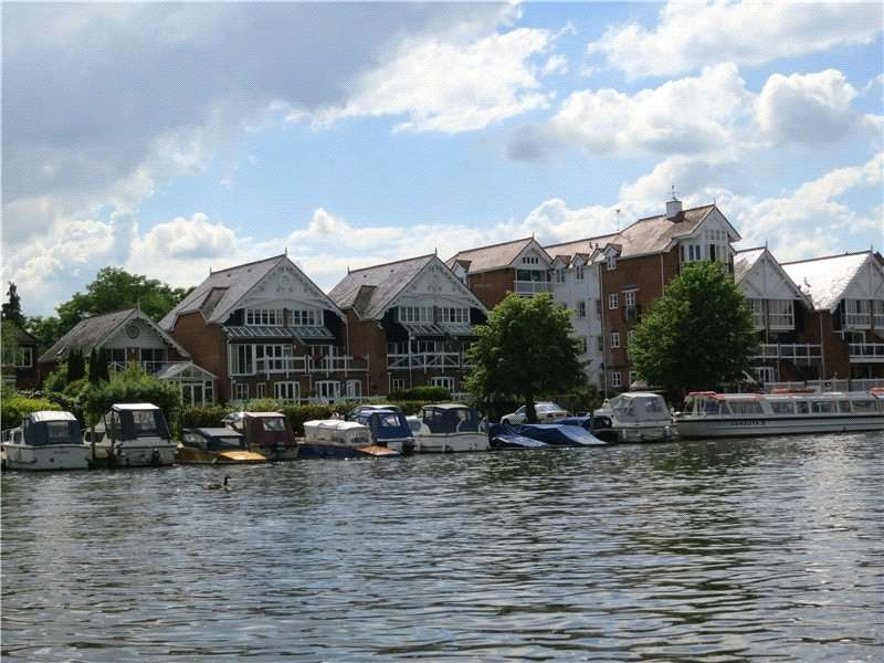 2 Bedrooms Flat for sale in Boathouse Reach, Henley-on-Thames, Oxfordshire, RG9