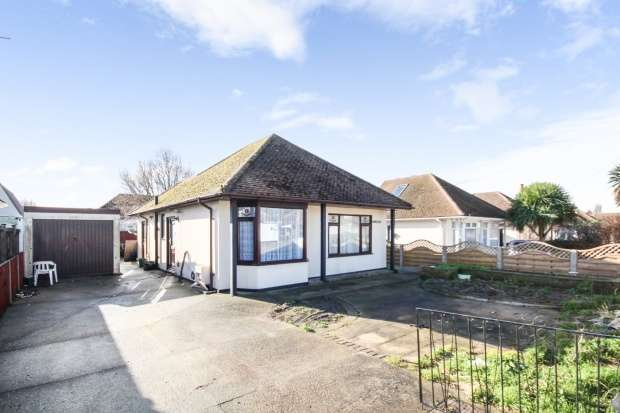 4 Bedrooms Detached Bungalow for sale in Florence Road, Walton On The Naze, Essex, CO14 8HP