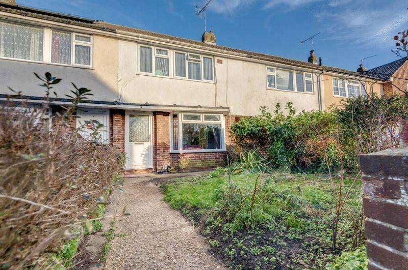 3 Bedrooms Terraced House for sale in Nursery Gardens, Littlehampton