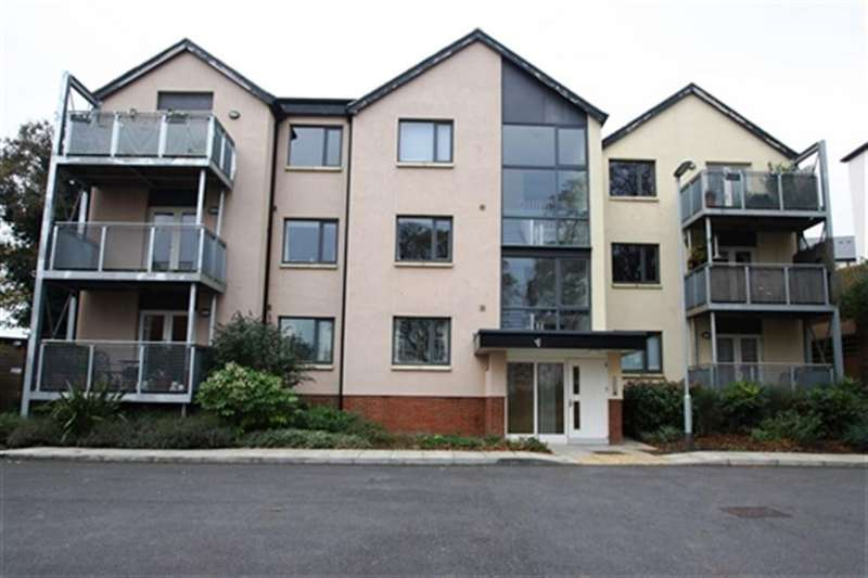 2 Bedrooms Flat for rent in Old Brewery Walk, Brackley, Northants