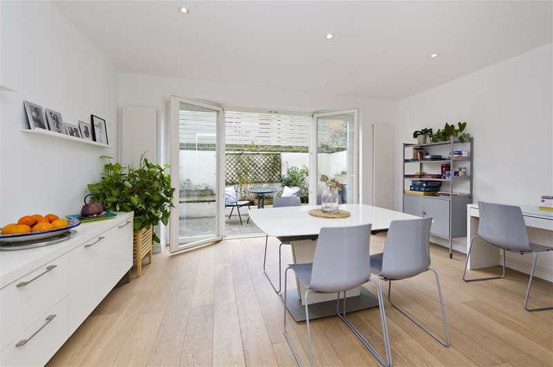 4 Bedrooms Terraced House for sale in Greenside Road, Shepherd's Bush