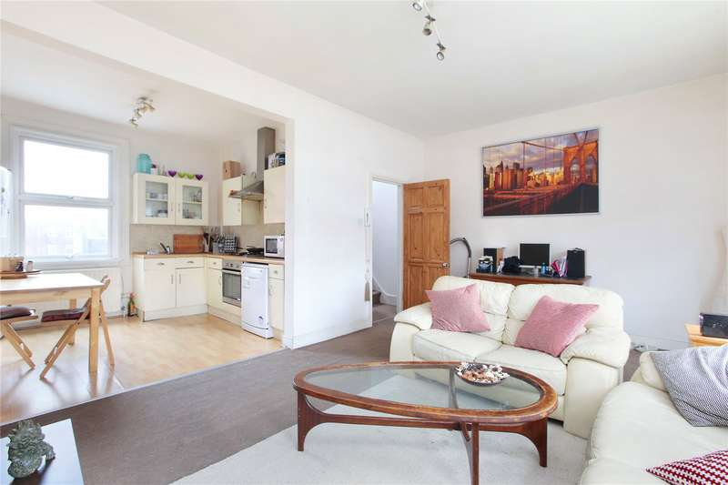 3 Bedrooms House for sale in St John's Hill, London, SW11
