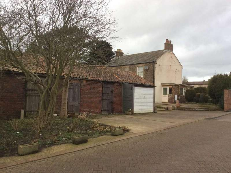 4 Bedrooms Land Commercial for sale in High Street, Bempton, E Yorkshire