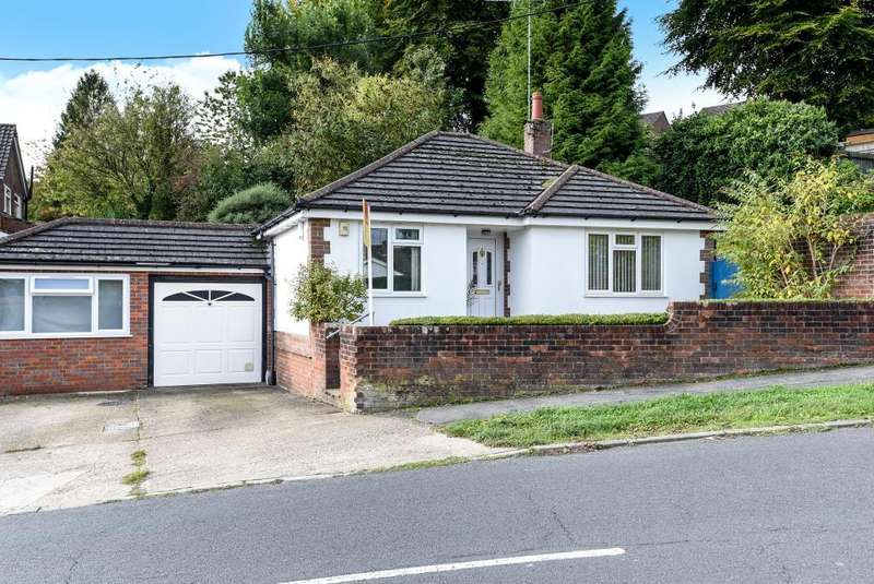 2 Bedrooms Detached Bungalow for sale in Chesham, Buckinghamshire, HP5