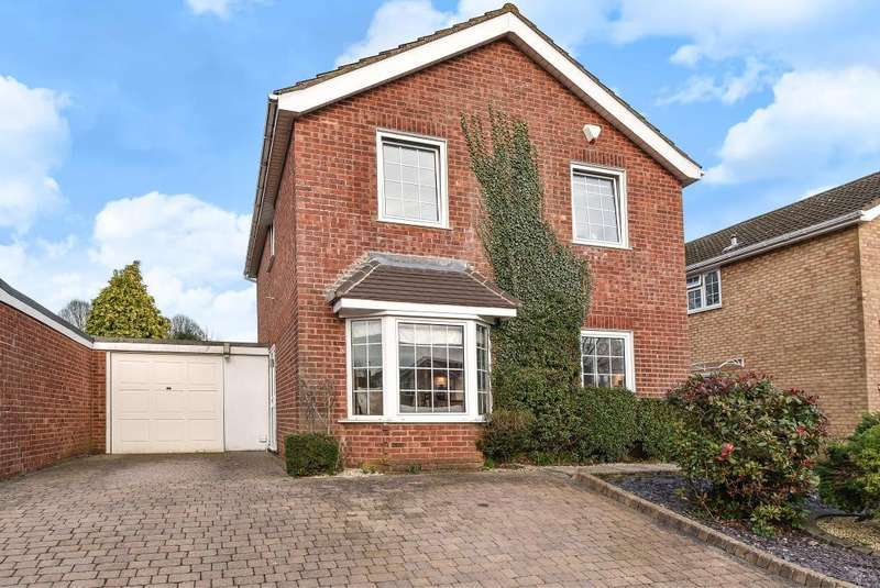 4 Bedrooms Detached House for sale in Downley Village, Buckinghamshire, HP13