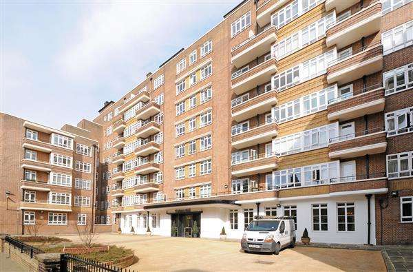 3 Bedrooms Flat for sale in PORTSEA HALL, HYDE PARK, W2