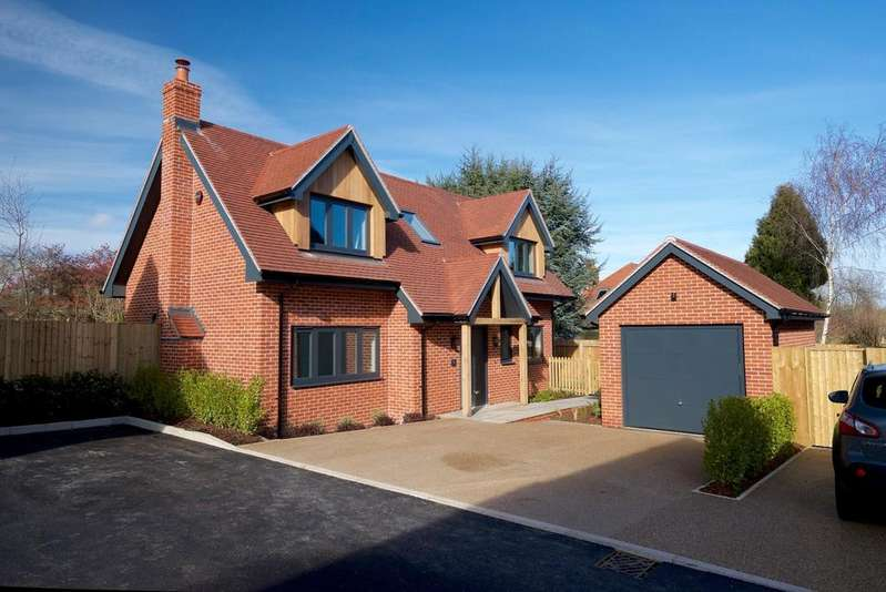 4 Bedrooms Detached House for sale in Britford Lane, Salisbury