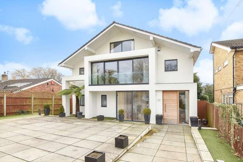 5 Bedrooms Detached House for rent in Barnet Gate Lane, Barnet, EN5