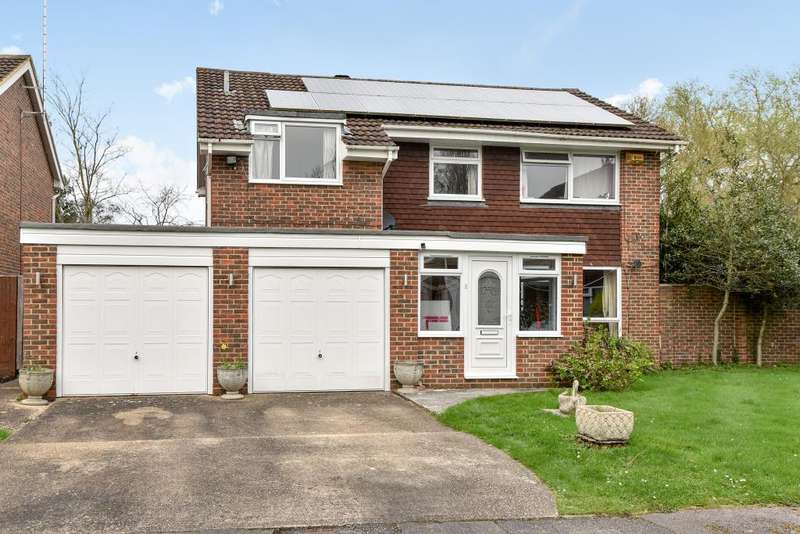4 Bedrooms Detached House for sale in Leighton Gardens, Maidenhead, SL6