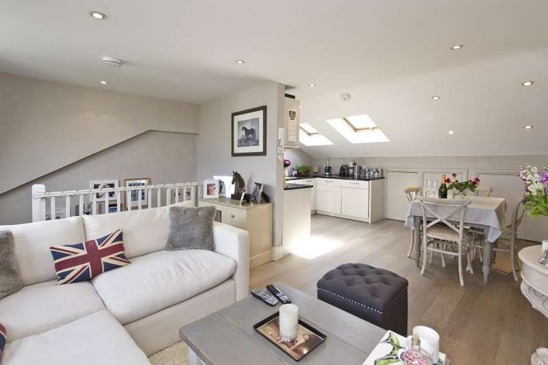 3 Bedrooms Flat for sale in Aynhoe Road, Brook Green W14