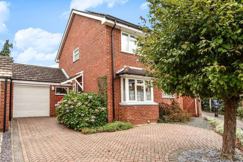 4 Bedrooms Detached House for sale in Bissley Drive, Maidenhead, SL6