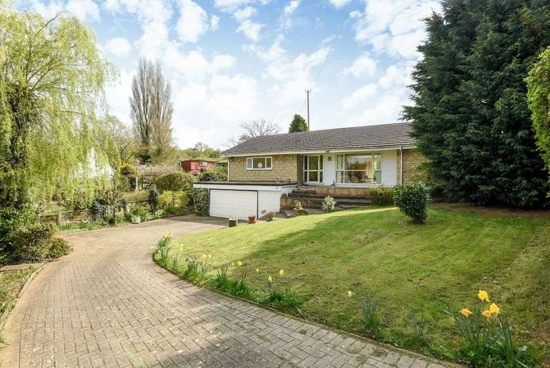 3 Bedrooms Detached Bungalow for sale in Littleworth, Oxfordshire, OX33