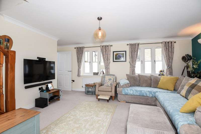 2 Bedrooms House for sale in Willowbank, Witney, OX28