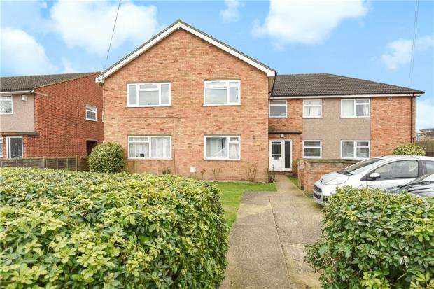 2 Bedrooms Apartment Flat for sale in Feltham Road, Ashford, Surrey