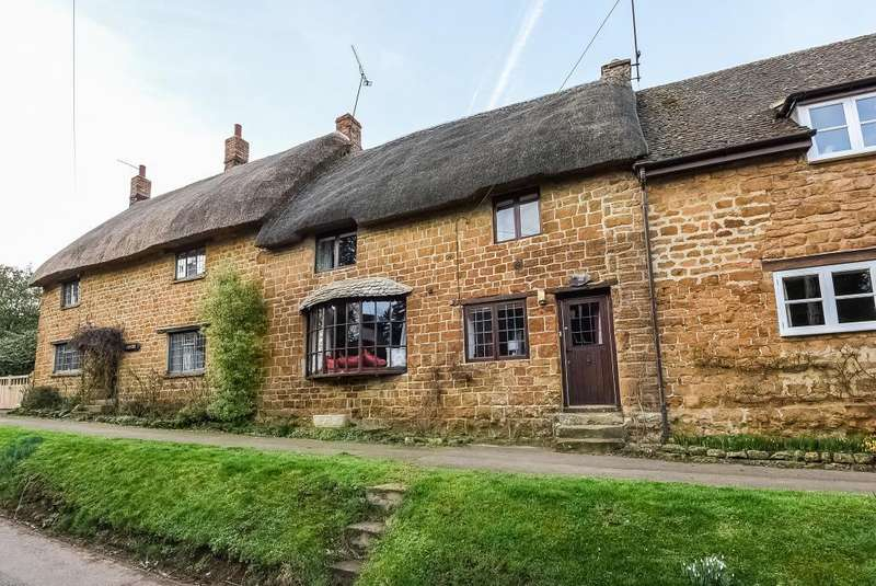 3 Bedrooms Cottage House for sale in Main Street, Wroxton, OX15