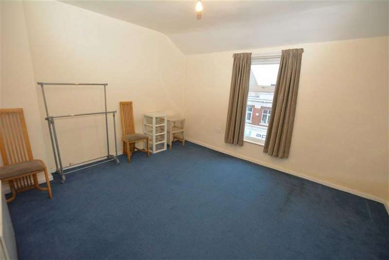 1 Bedroom Flat for rent in Station Road, Urmston