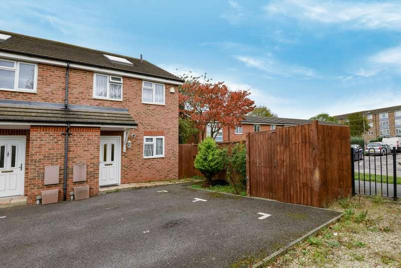 2 Bedrooms House for sale in Webster Close, South Reading, RG2