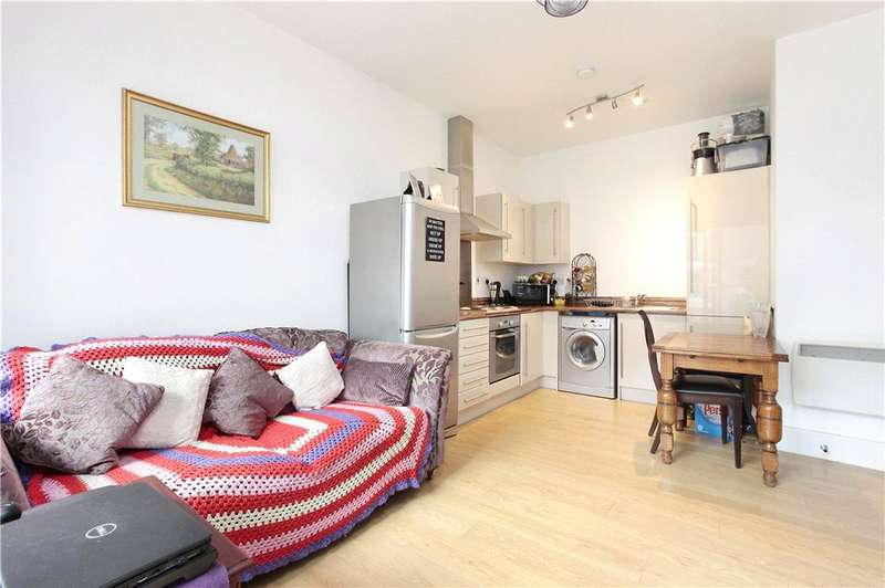 1 Bedroom Flat for sale in Cornell Square, London, SW8