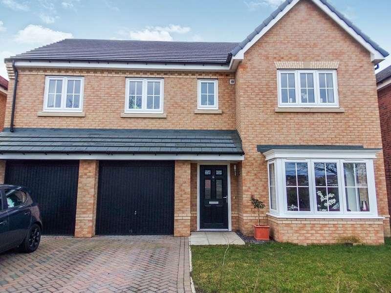 5 Bedrooms Property for sale in St. James Gardens, Bedlington, Northumberland, NE22 5SD