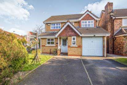 4 Bedrooms Detached House for sale in The Hills, Grimsargh, Preston, Lancashire, PR2