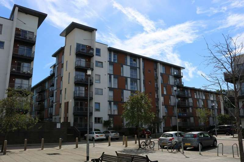 2 Bedrooms Apartment Flat for rent in Three Bridges, Crawley, RH10