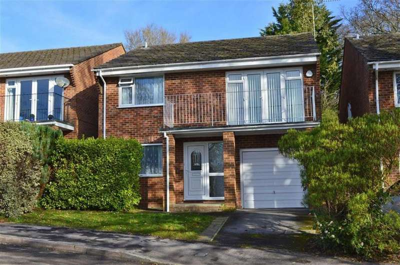 3 Bedrooms Detached House for sale in Saddle Close, Wimborne, Dorset