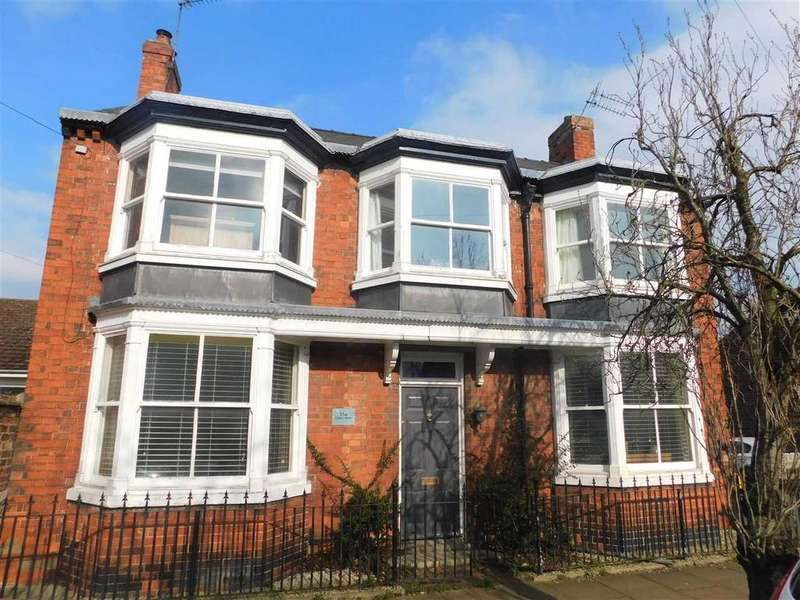 4 Bedrooms Detached House for sale in CADNEY HOUSE, ALBERT STREET, BRIGG
