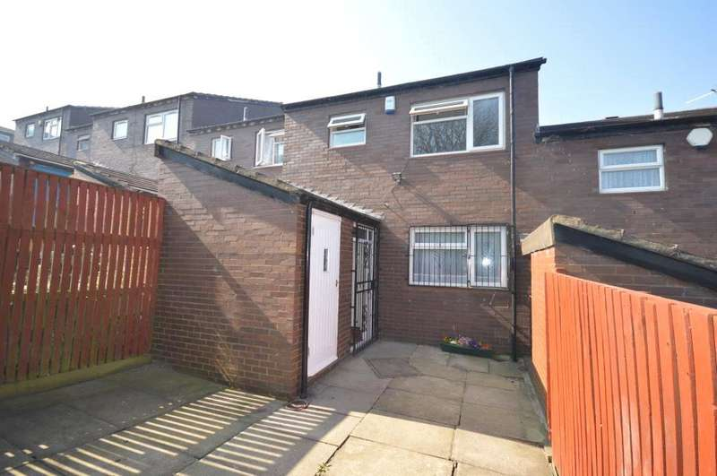 3 Bedrooms Terraced House for sale in Beckhill Approach, Meanwood, Leeds