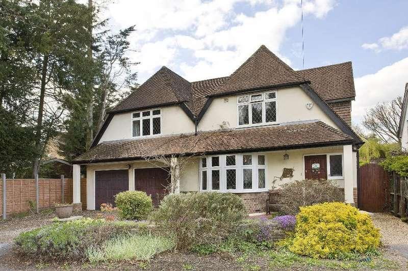4 Bedrooms Detached House for rent in Englefield Green, Surrey