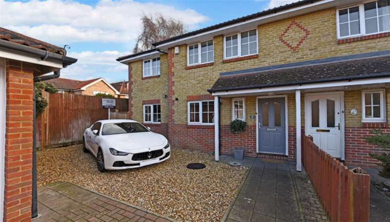 4 Bedrooms Property for sale in Hastings Drive, Surbiton