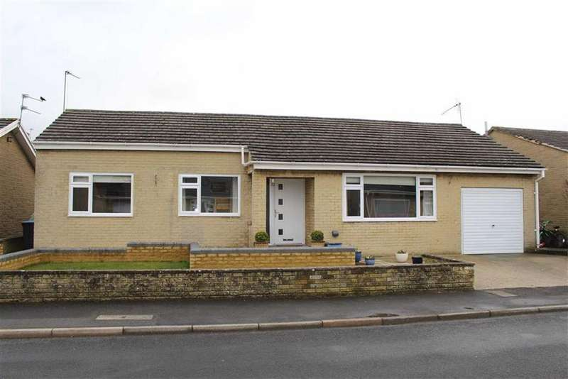 3 Bedrooms Detached Bungalow for sale in Fairfield Road, Barnard Castle, County Durham