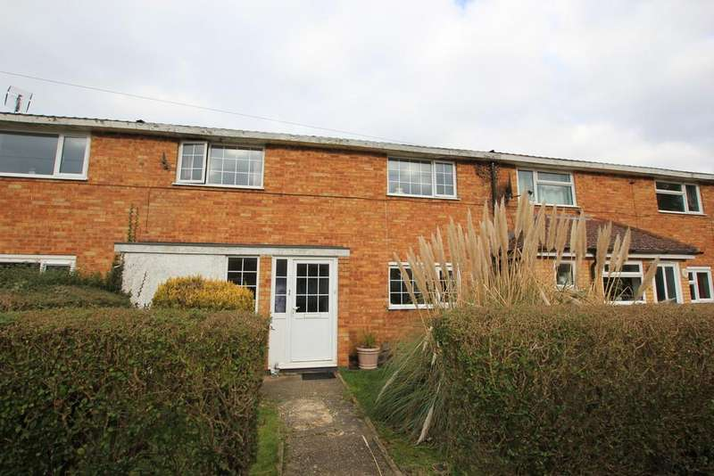 3 Bedrooms Terraced House for sale in Long Leaves, Stevenage
