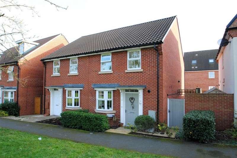 3 Bedrooms Semi Detached House for sale in Collett Road, Norton Fitzwarren