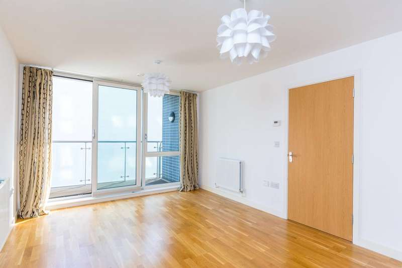1 Bedroom Flat for sale in Clayponds Lane, Brentford, TW8
