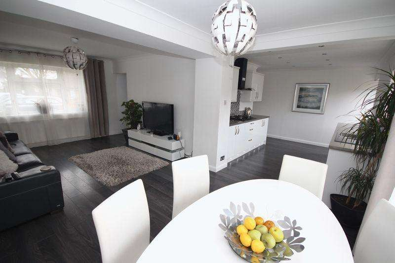 3 Bedrooms Terraced House for sale in Taunton Avenue, Llanrumney
