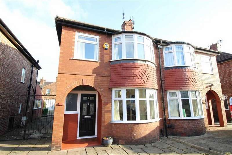 3 Bedrooms Semi Detached House for sale in Beaumont Road, Chorlton